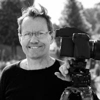 NielsKnudsen_Portrait-bio-3.jpg